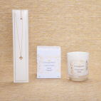 Le bassin de Neptune Candle with Necklace